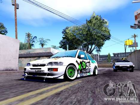 Ford Escort RS 92 Hella para GTA San Andreas left