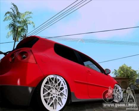 Volkswagen Golf MK5 GTI Stance para GTA San Andreas vista posterior izquierda