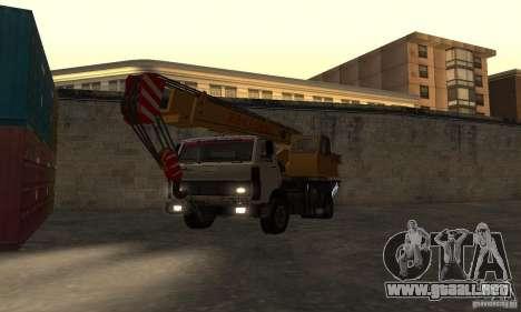 MAZ camión grúa para GTA San Andreas vista hacia atrás