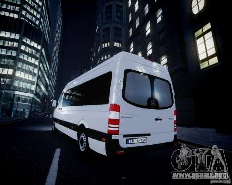 Mercedes-Benz Sprinter Long para GTA 4 ruedas