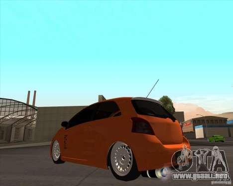 Toyota Yaris II Pac performance para GTA San Andreas left
