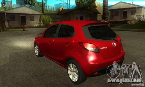 Mazda 2 2011 para GTA San Andreas vista posterior izquierda