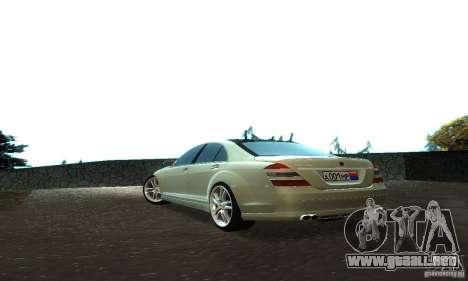 Mercedes-Benz S500 W221 Brabus para GTA San Andreas vista hacia atrás