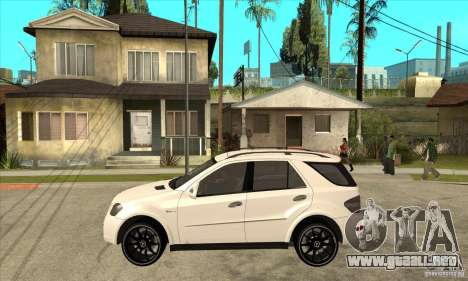 Mercedes-Benz ML 63 para GTA San Andreas left