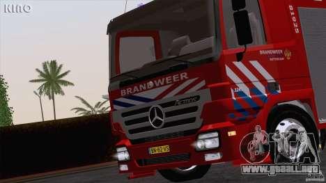 Mercedes-Benz Actros Fire Truck para GTA San Andreas vista hacia atrás