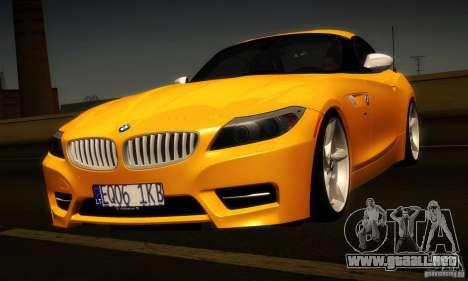 BMW Z4 Stock 2010 para GTA San Andreas vista hacia atrás