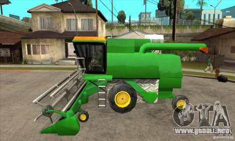Combine Harvester Retextured para GTA San Andreas left
