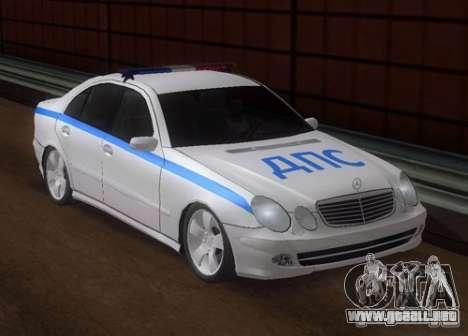 MERCEDES BENZ E500 w211 SE policía Rusia para GTA San Andreas