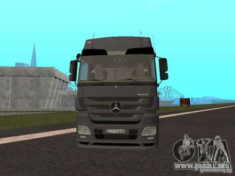 Mercedes-Benz Actros MP3 para GTA San Andreas left