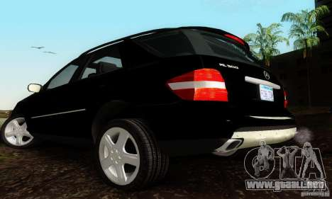 Mercedes-Benz ML500 para GTA San Andreas left