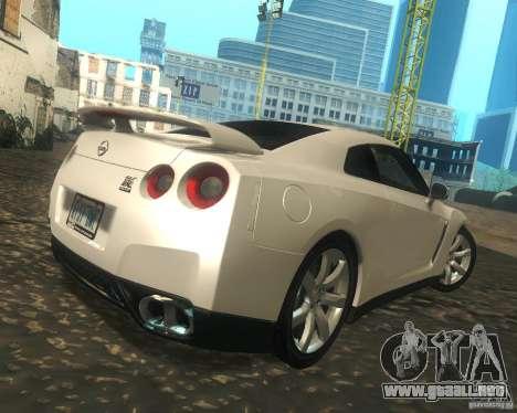 Nissan GTR R35 Spec-V 2010 Stock Wheels para la visión correcta GTA San Andreas