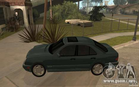 Mercedes-Benz E420 W210 1997 para GTA San Andreas left