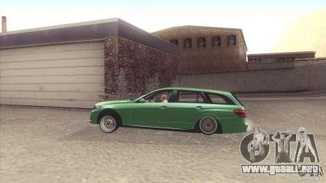 Mercedes-Benz E-Class Estate S212 para la visión correcta GTA San Andreas