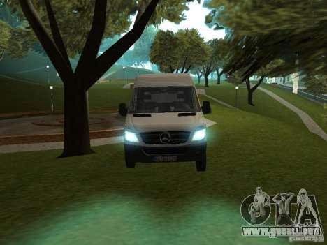 Mercedes Sprinter 311CDi beta para GTA San Andreas vista posterior izquierda