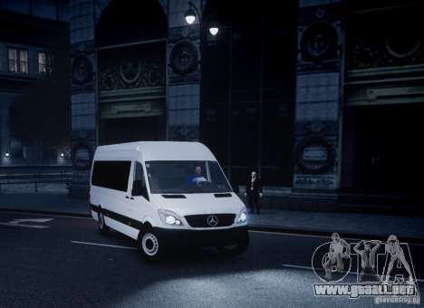 Mercedes-Benz Sprinter Long para GTA 4 vista hacia atrás