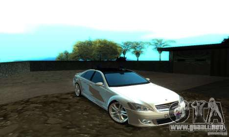 Mercedes-Benz S500 W221 Brabus para GTA San Andreas left