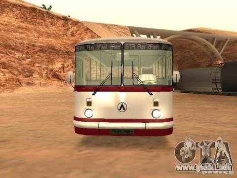 LAZ 695 para GTA San Andreas left