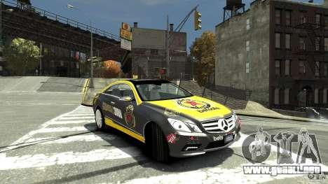 Mercedes-Benz E 500 Coupe V2 para GTA 4 visión correcta
