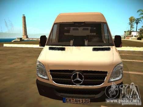 Mercedes Benz Sprinter 311 CDi para la visión correcta GTA San Andreas