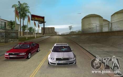 Skoda Superb 2.2 v.4 final para GTA Vice City vista lateral izquierdo