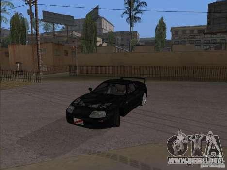 Toyota Supra MKIV para GTA San Andreas vista posterior izquierda