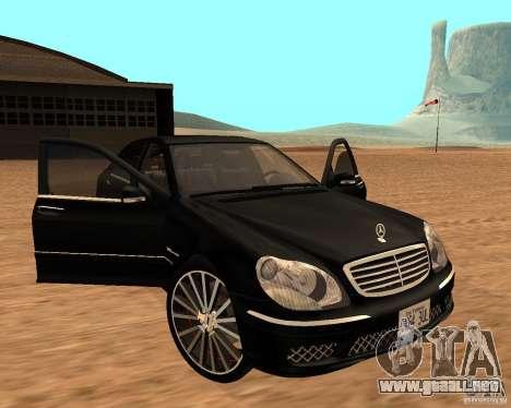 Mercedes-Benz S65 AMG W220 para la visión correcta GTA San Andreas