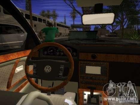 Volkswagen Phaeton W12 para la visión correcta GTA San Andreas