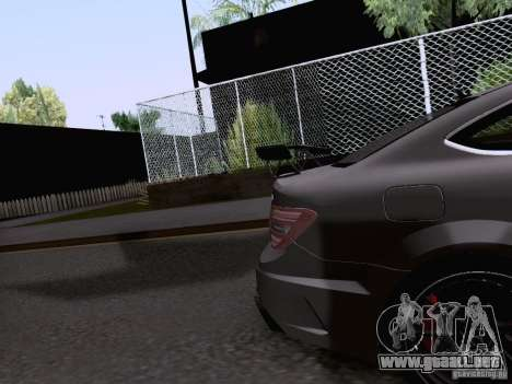 Mercedes-Benz C63 AMG Coupe Black Series para vista lateral GTA San Andreas