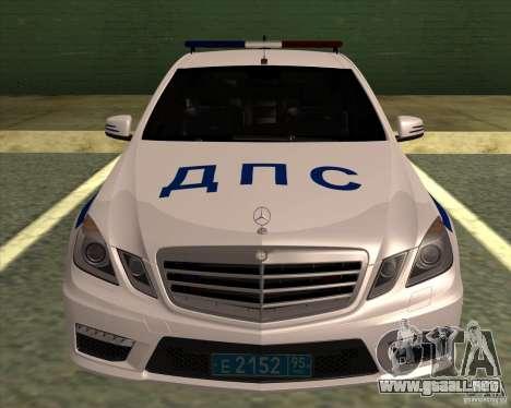 Mercedes-Benz E63 AMG W212 para GTA San Andreas vista posterior izquierda