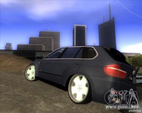 BMW X5 dubstore para GTA San Andreas vista posterior izquierda