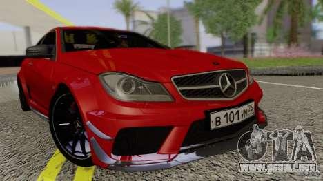 Mercedes Benz C63 AMG Black Series 2012 para la visión correcta GTA San Andreas