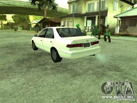 Toyota Camry 2.2 LE para GTA San Andreas vista posterior izquierda