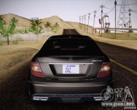 Mercedes-Benz C63 AMG Black Series para GTA San Andreas vista hacia atrás