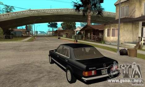Mercedes Benz W126 560 v1.1 para GTA San Andreas vista posterior izquierda