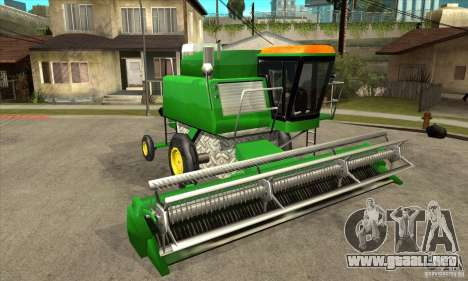 Combine Harvester Retextured para GTA San Andreas vista hacia atrás