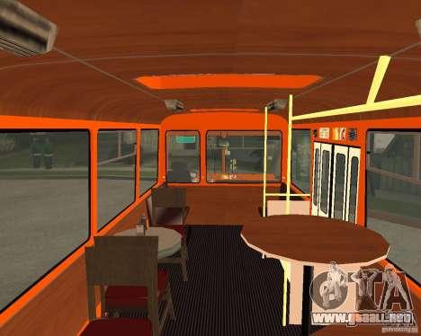 LIAZ-677 (momento de Café) para GTA San Andreas vista posterior izquierda