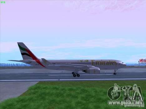 Airbus A330-200 Emirates para GTA San Andreas left