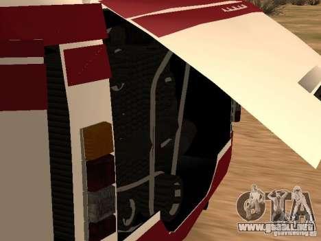 LAZ 695 para GTA San Andreas vista hacia atrás