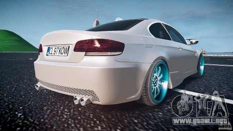 BMW E92 para GTA 4 vista desde abajo