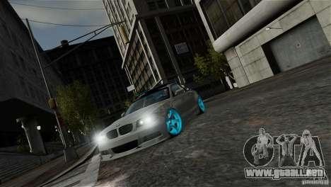 BMW 135i HellaFush para GTA 4 vista interior