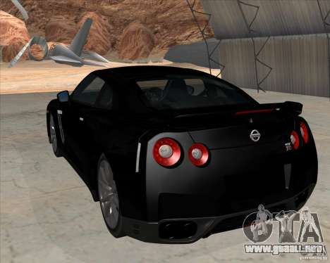 Nissan GT-R R35 para GTA San Andreas left