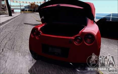 Nissan GTR 2011 egoísta (versión con suciedad) para la visión correcta GTA San Andreas
