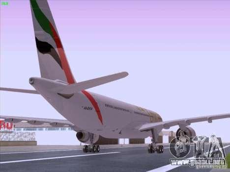 Airbus A330-200 Emirates para GTA San Andreas vista posterior izquierda