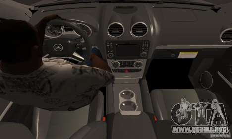 Mercedes Benz ML63 AMG para la visión correcta GTA San Andreas
