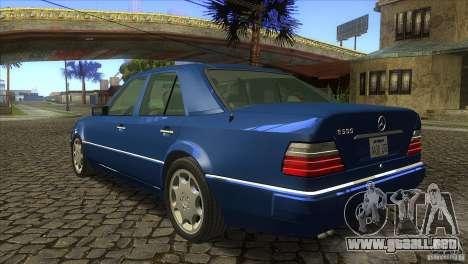 Mersedes-Benz E500 para GTA San Andreas vista hacia atrás