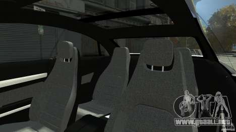 Mercedes-Benz E 500 Coupe V2 para GTA 4 vista desde abajo