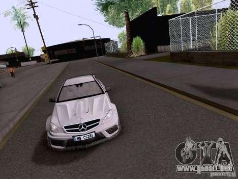 Mercedes-Benz C63 AMG Coupe Black Series para la visión correcta GTA San Andreas