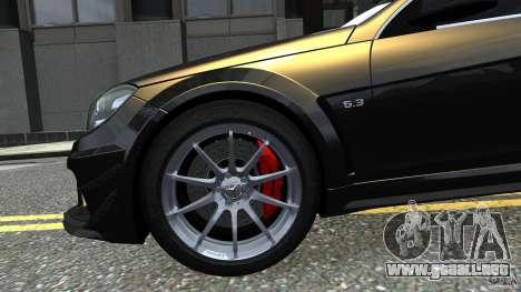Mercedes Benz C63 AMG Black Series 2012 para GTA 4 vista lateral
