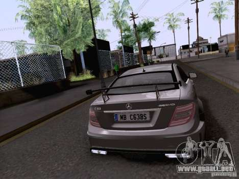 Mercedes-Benz C63 AMG Coupe Black Series para GTA San Andreas left