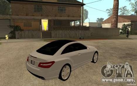 Mercedes Benz E-CLASS Coupe para la visión correcta GTA San Andreas
